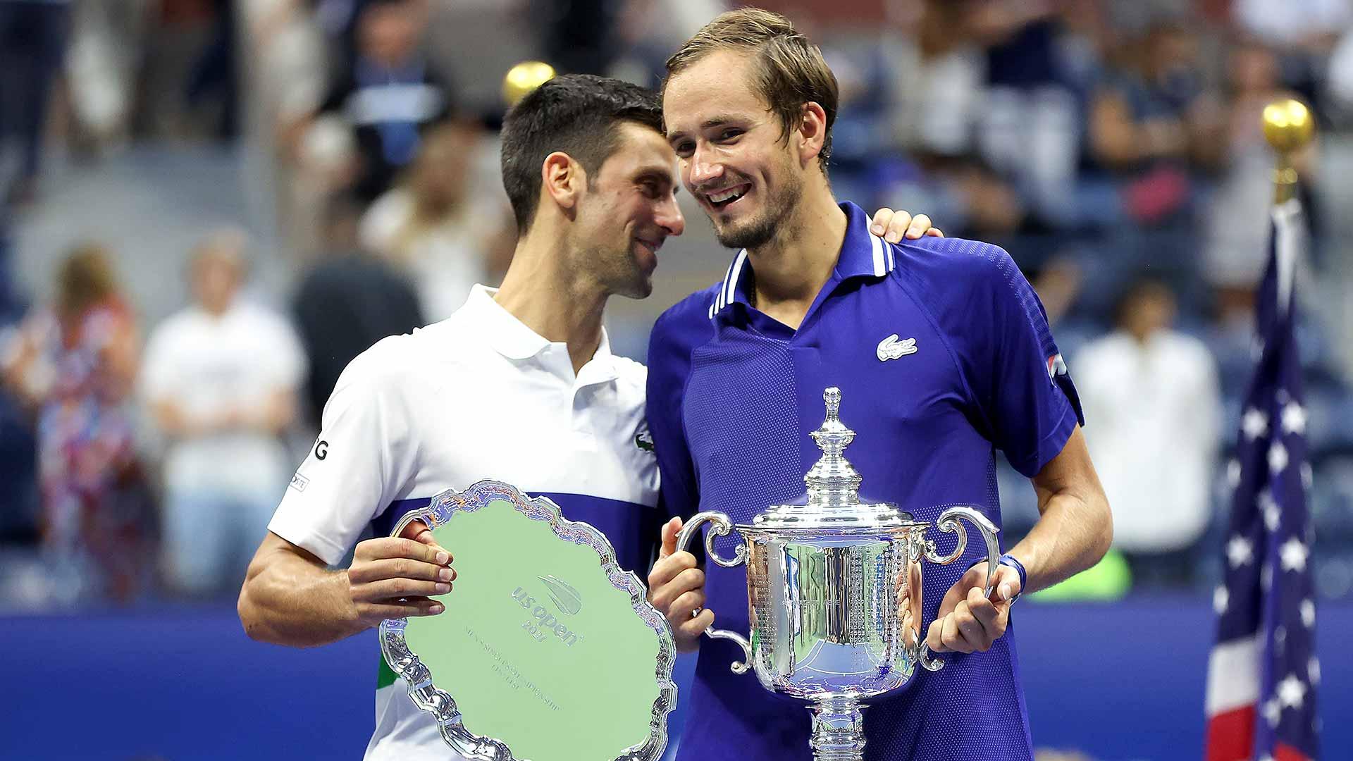 El ruso Daniil Medvedev deja a Djokovic entre lágrimas y sin el Gran Slam tras derrotarle justamente en la final por un triple 6-4