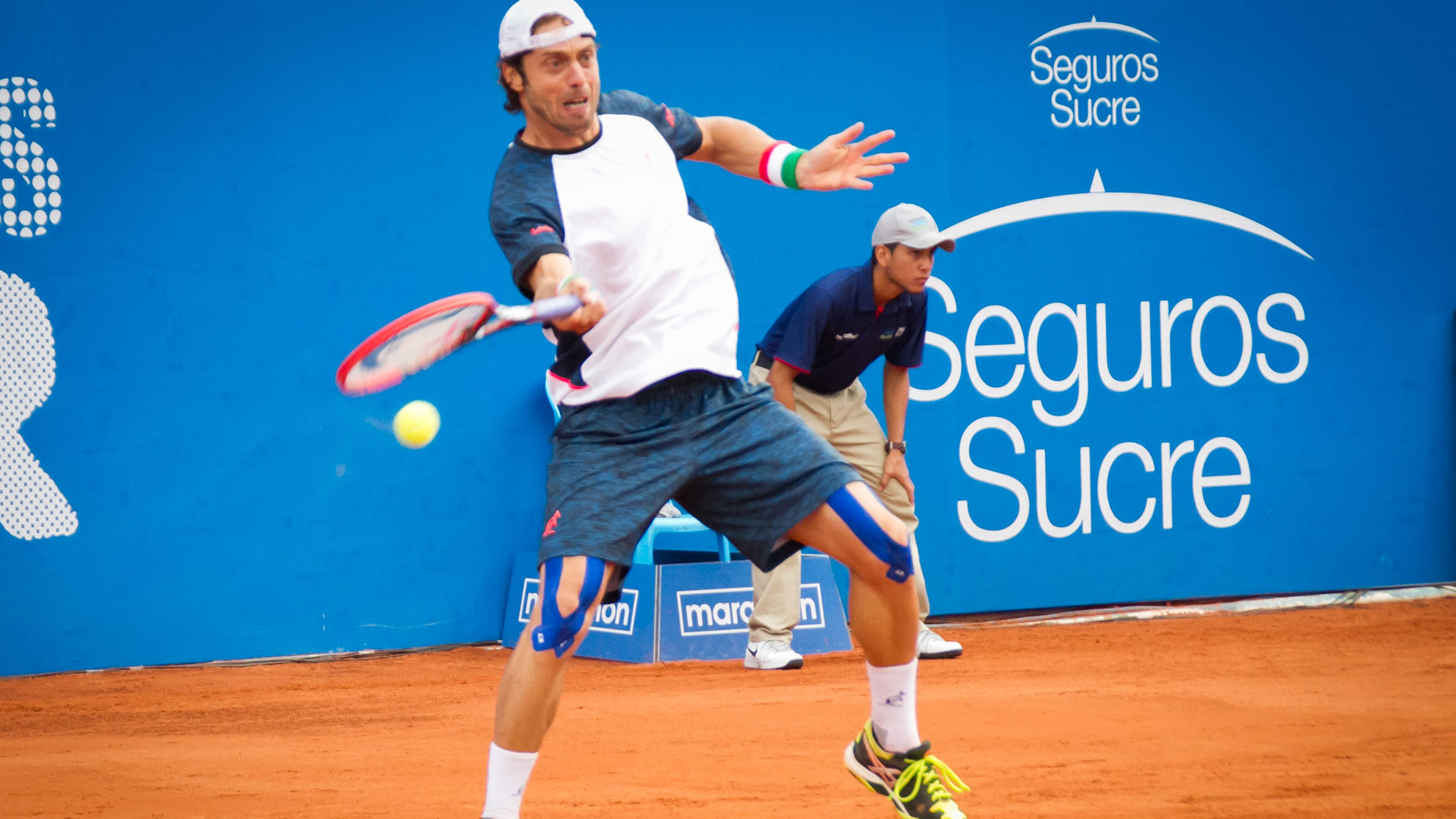 Lorenzi hits a forehand in Quito