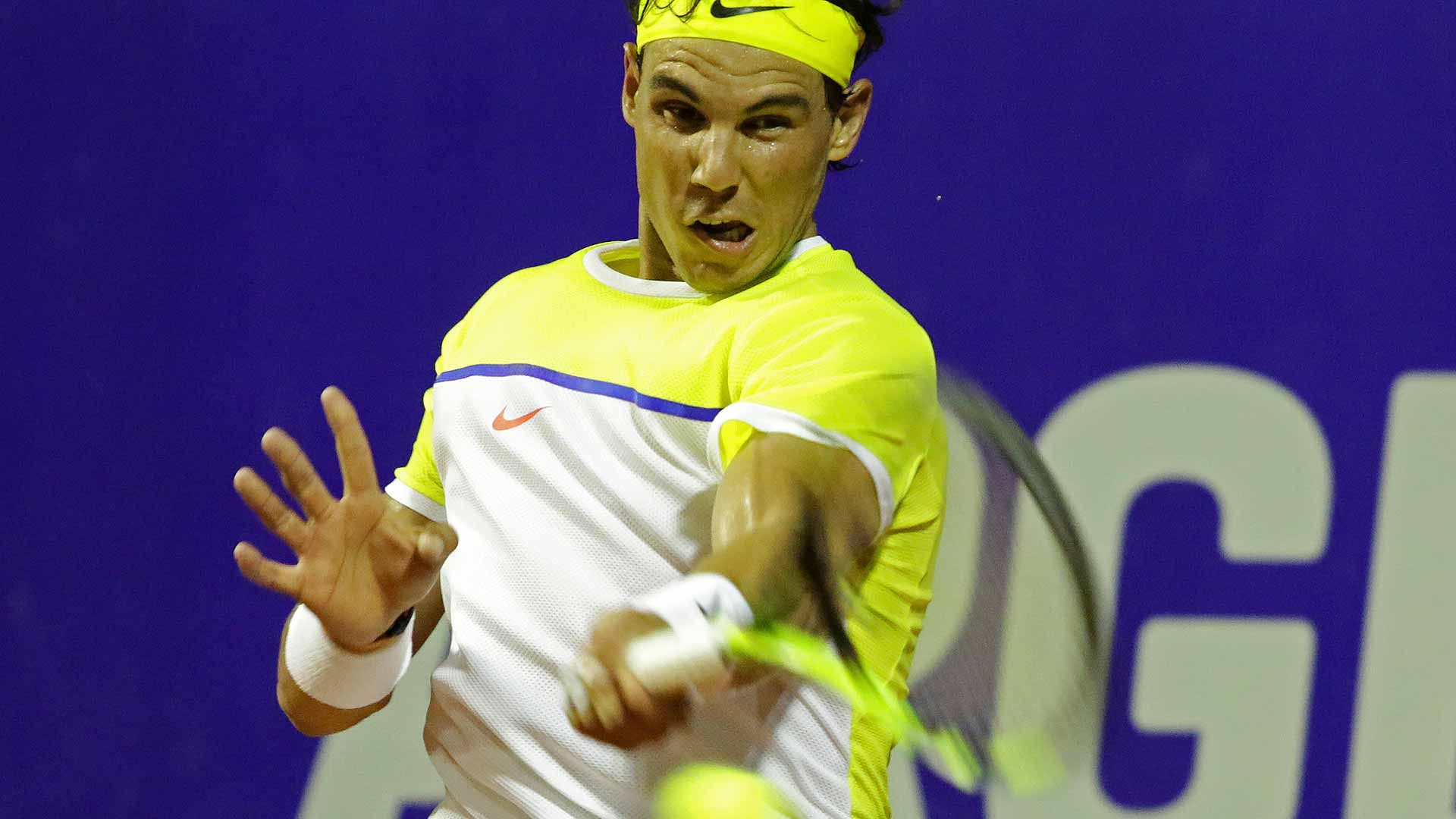 Nadal takes on Lorenzi