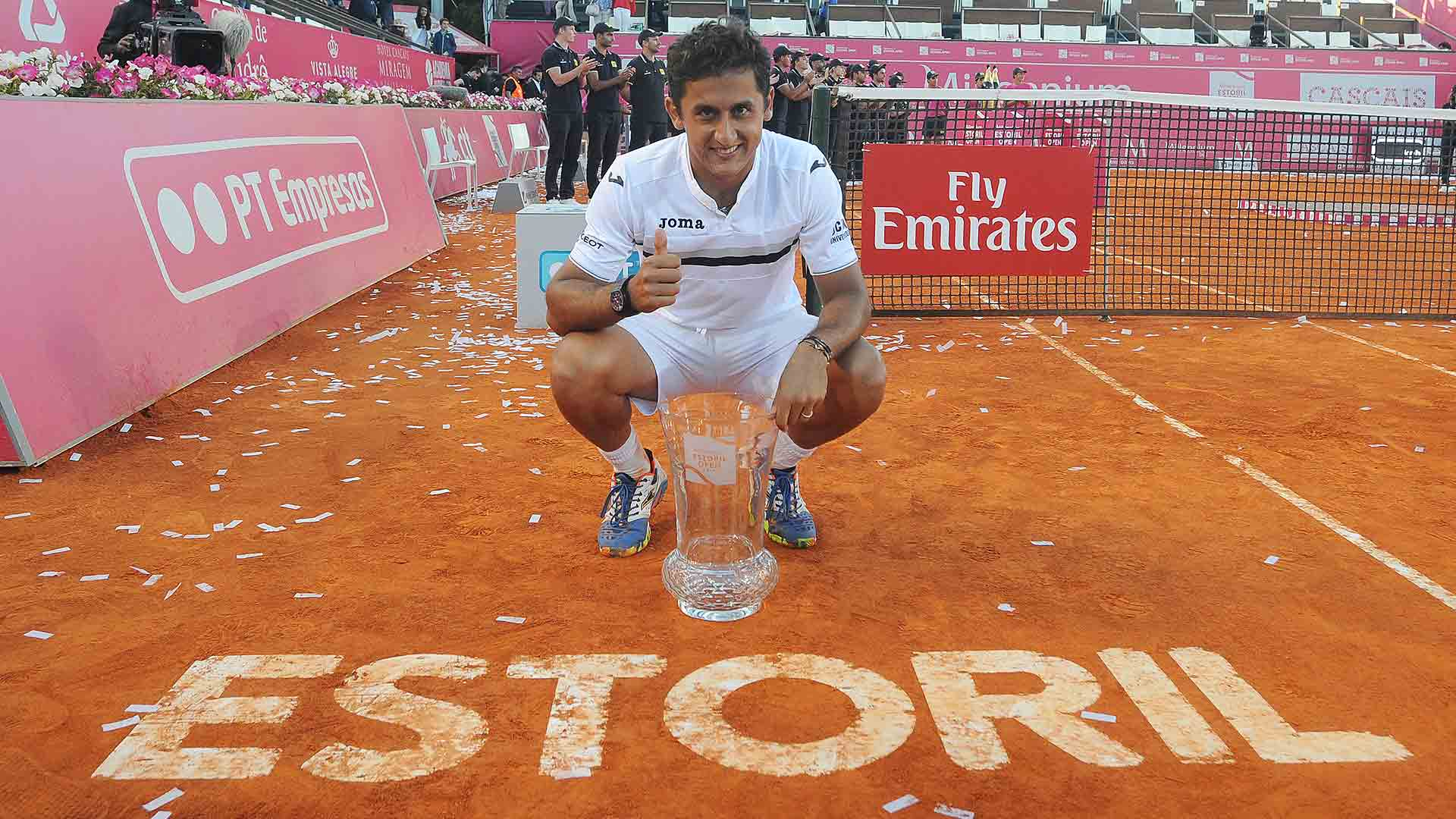 Nicolas Almagro wins his first ATP World Tour title since 2012 in Estoril.