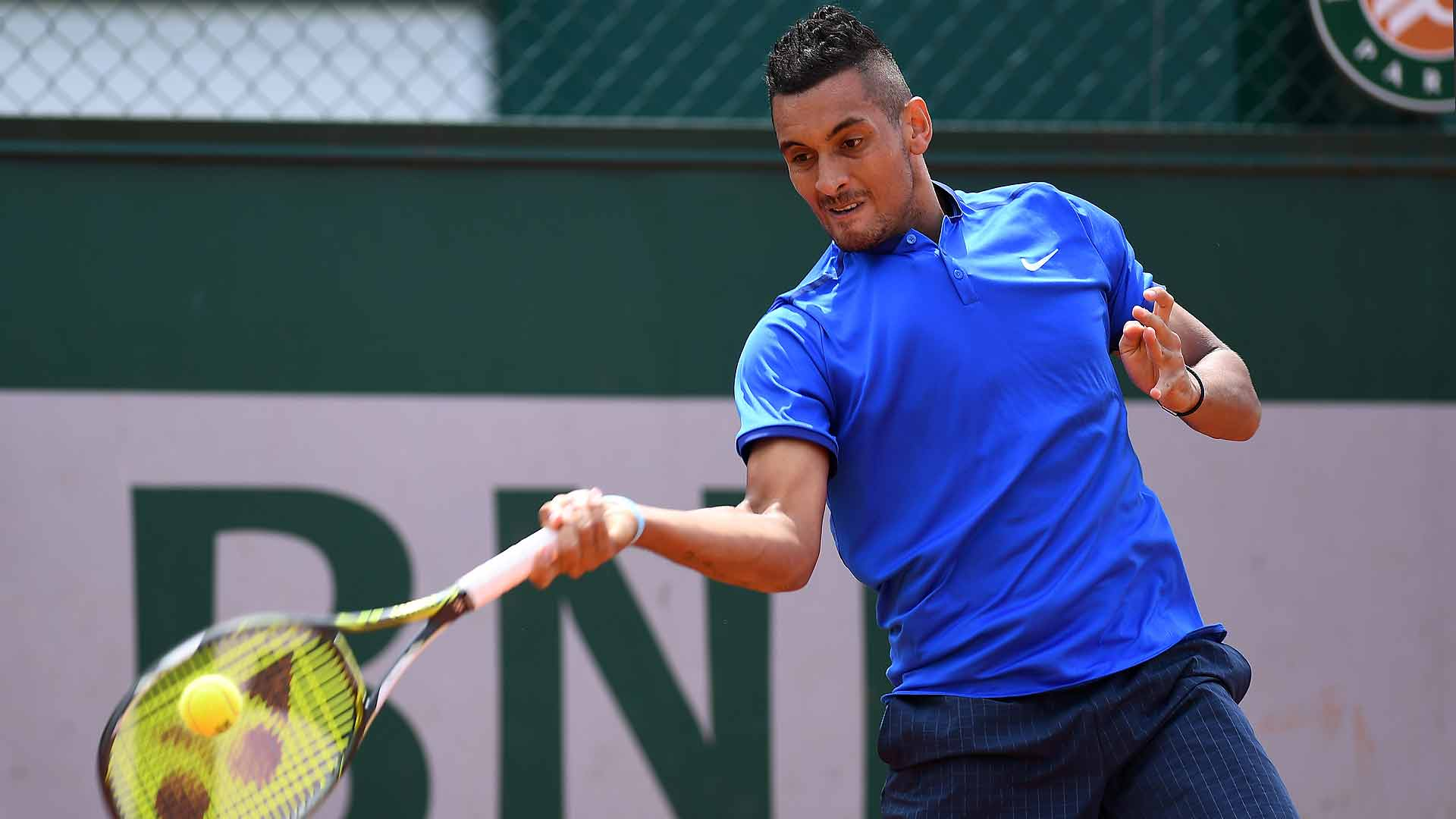 Nick Kyrgios cruised into the third round on Wednesday at Roland Garros.