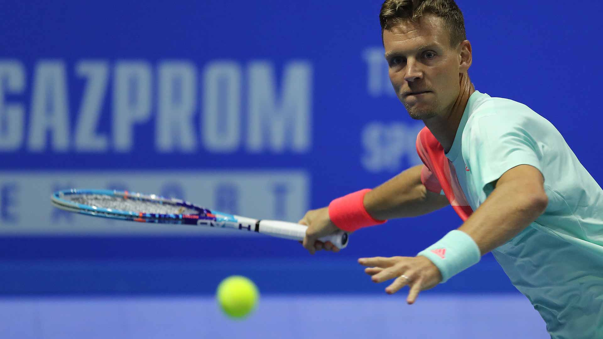 Tomas Berdych moves into the semi-finals in St. Petersburg.