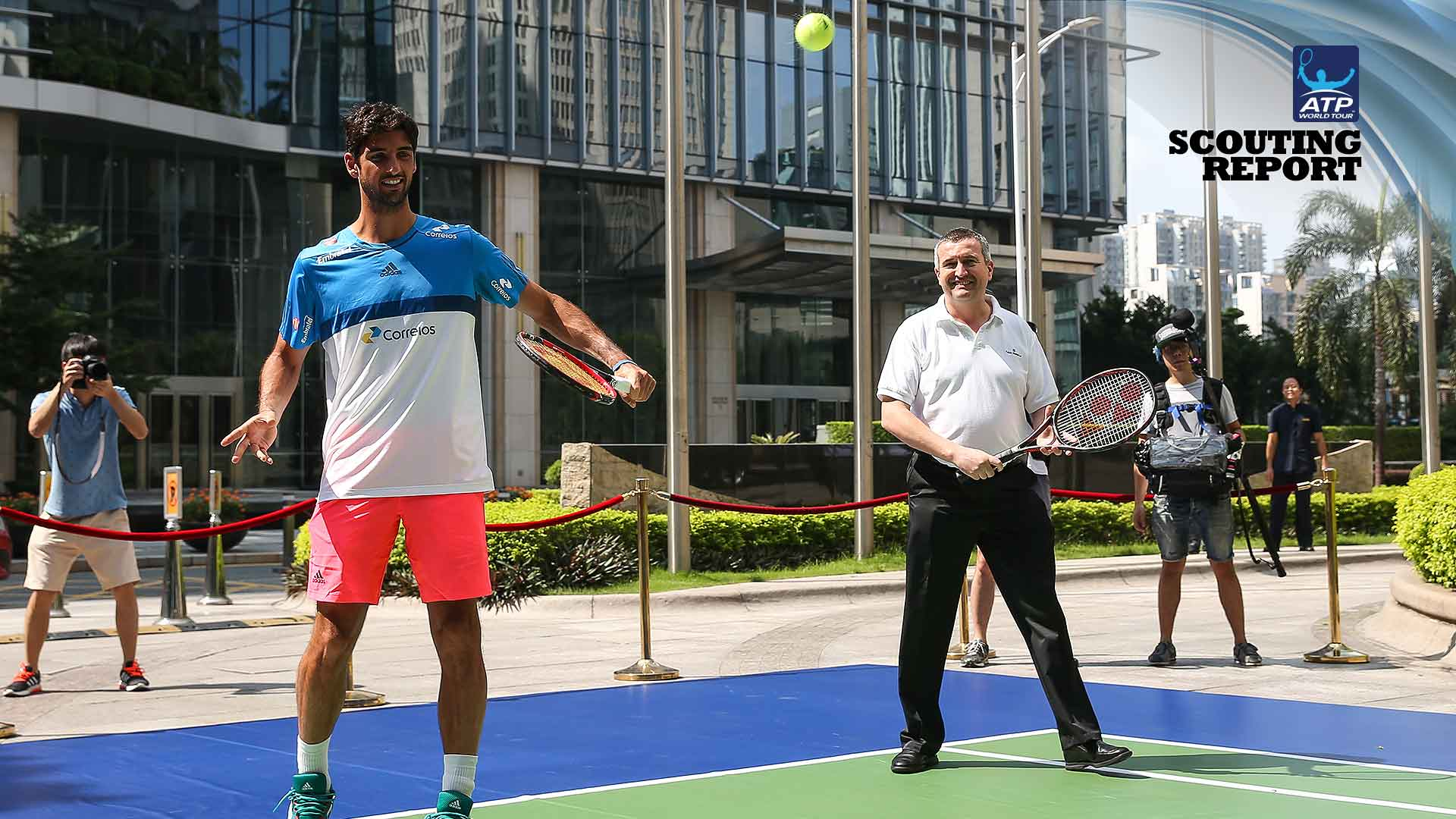 Thomaz Bellucci gets set for the Shenzhen Open.