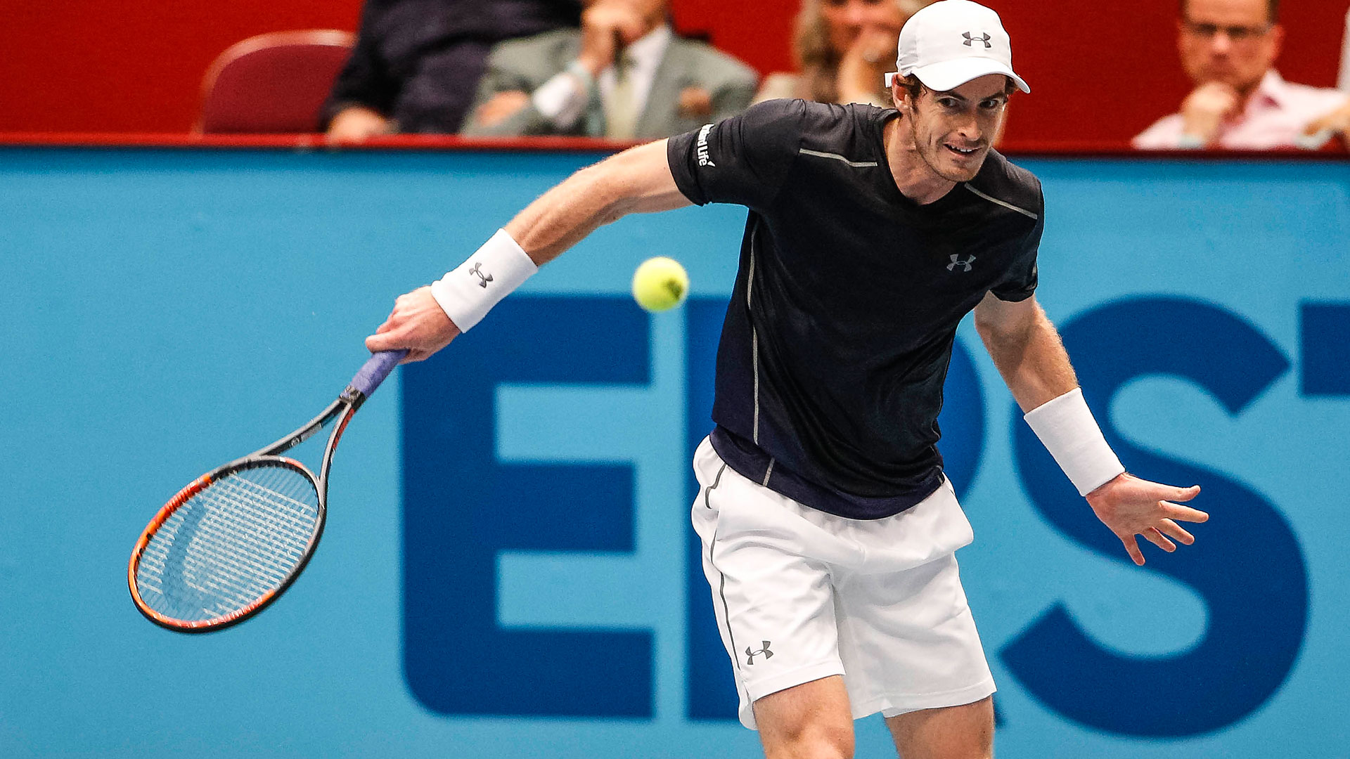 Andy Murray survives a lengthy battle against Gilles Simon in Vienna.