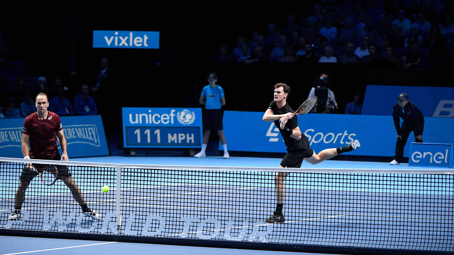Bruno Soares (L) and Jamie Murray are in top form at the Barclays ATP World Tour Finals.